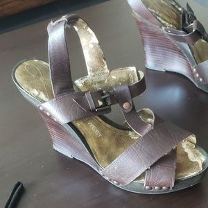 Nine West brown wedge